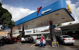 Người dân Venezuela điêu đứng vì giá dầu thế giới giảm mạnh