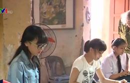 Người họa sĩ già truyền lửa đam mê cho học sinh nông thôn