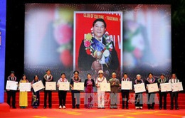 """""""Vinh quang Việt Nam"""" 2015 tôn vinh 15 cá nhân, tập thể xuất sắc"""