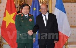 Tăng cường hợp tác quốc phòng Việt Nam - Pháp
