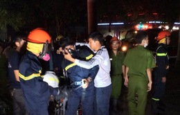 Nỗ lực dập tắt cháy, giải cứu người mắc kẹt vụ hỏa hoạn chung cư Xa La