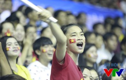 VTV Cup 2015: Những bóng hồng tô điểm khán đài nhà thi đấu tỉnh Bạc Liêu