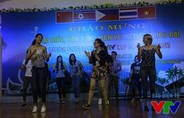 VTV Cup 2015: Các cô gái Philippines nhảy sung trước trận gặp Việt Nam