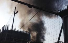 Hà Nội: Cháy lớn ở xưởng gỗ trên đường Lương Khánh Thiện