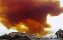 Cận cảnh vụ nổ nhà máy hóa chất tại Tây Ban Nha