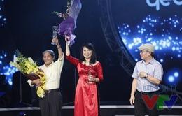 """""""Thời hoa đỏ"""" ẵm giải Bài hát yêu thích nhất tháng 8"""
