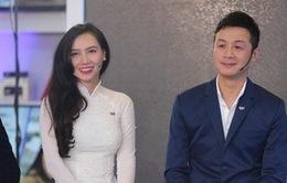 """MC Anh Tuấn trổ tài thử dẫn chương trình """"Talk Vietnam"""""""