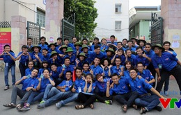 Màu xanh tình nguyện đồng hành cùng sĩ tử trong mùa thi