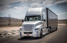 Xe tải tự lái đầu tiên trên thế giới lăn bánh tại Mỹ