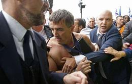 Lãnh đạo Air France (Pháp) bị tấn công sau quyết định cắt giảm nhân sự