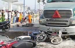 TP.HCM: Xe bồn đâm liên hoàn 6 xe máy, 7 người bị thương