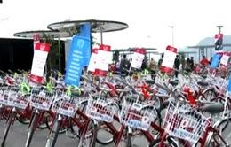 """""""Hành trình cuộc sống"""" tặng xe đạp cho trẻ em nghèo đến trường"""