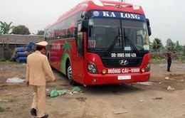Bắt giữ xe giường nằm nhồi nhét 117 người tại Thanh Hóa