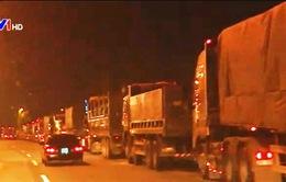 Vấn nạn xe quá tải: Chưa xử lý triệt để vì thiếu chế tài