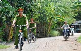 Đồng Tháp: Các chiến sĩ công an hào hứng tuần tra bằng xe đạp