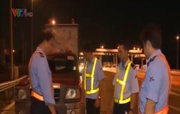 """Dẹp nạn """"xin đểu"""" trên cao tốc TP.HCM - Trung Lương"""