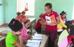 Nghệ An: Niềm vui biết chữ của phụ nữ vùng cao