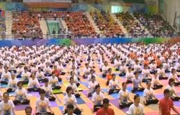 Màn đồng diễn kỷ lục hưởng ứng Ngày Quốc tế Yoga