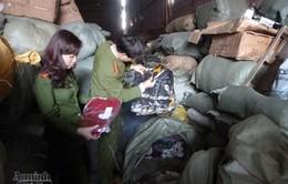 Hà Nội: Bắt 600 kiện hàngnhập lậu