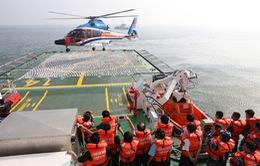 Nghiệm thu sàn đỗ máy bay trực thăng trên tàu Cảnh sát biển