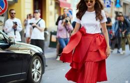 Thách thức mùa hè với trang phục gam màu đỏ