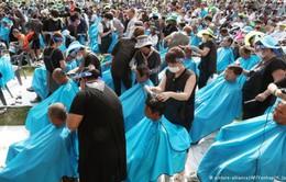 900 người Hàn Quốc cạo trọc tóc phản đối lá chắn tên lửa