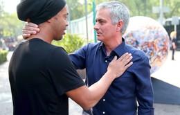 Bỏ quên Man Utd, Mourinho sang Mexico dẫn dắt đội bóng của Ronaldinho