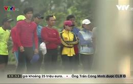 Mất điện, VĐV rowing Việt Nam phải thuê khách sạn, tắm nhờ nhà dân