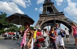 Pháp tăng cường biện pháp an ninh bảo vệ du khách châu Á