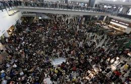 Hong Kong: Biểu tình vì con gái lãnh đạo được đặc cách