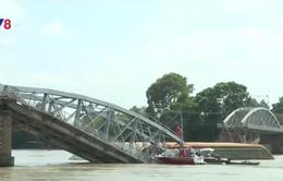 Khởi tố, bắt tạm giam chủ và lái tàu gây tai nạn đâm sập cầu Ghềnh