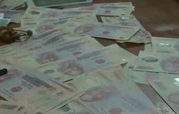 Tóm gọn đối tượng lưu hành tiền giả gần Đền Hùng