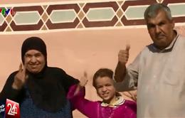 """Thoát khỏi """"cơn ác mộng"""" IS, người dân Iraq mừng to"""