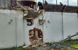 53 tù nhân làm nổ tường nhà giam vượt ngục tại Brazil