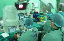 Phẫu thuật thành công sỏi thận to kỷ lục bằng mổ nội soi
