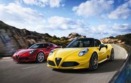 """Say lòng vì """"quý ông"""" Alfa Romeo 4C Spider từ nước Ý"""