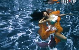 Loạt ảnh tạo dáng dưới nước đẹp long lanh của thí sinh Biệt đội phong cách