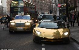 """Đại gia Ả Rập """"dát vàng"""" đường phố Anh bằng siêu xe cực khủng"""