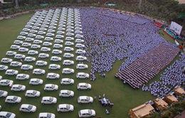 Giám đốc công ty kim cương thưởng hơn 1.000 xe hơi cho nhân viên