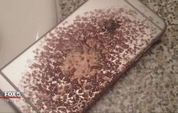"""iPhone 6 bất ngờ bốc cháy trên giường ngủ khiến chủ nhân """"tá hỏa"""""""