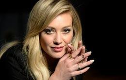 """Ly dị chồng đại gia, """"Lọ Lem"""" Hilary Duff mất trắng 55 tỉ đồng"""