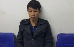 Bắt giữ thanh niên thuê khách sạn chế thuốc pháo tại  Nghệ An