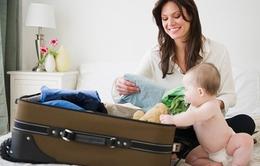 Hai nhóm vật dụng cần thiết cho trẻ khi đi chơi xa