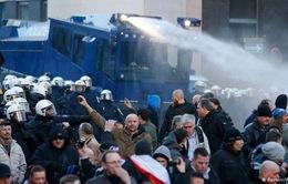 Đụng độ trong cuộc tuần hành phản đối chính sách tị nạn tại Cologne, Đức