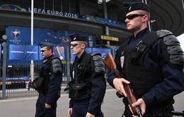 EURO 2016: Người đàn ông mang dao và búa, âm mưu tấn công du khách và cảnh sát