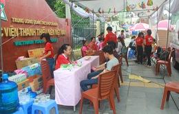 Sinh viên Hà Nội hưởng ứng tham gia hiến máu trong tiết trời oi bức