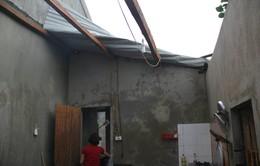 Bình Thuận: Nhiều nhà dân hư hại nghiêm trọng vì lốc xoáy