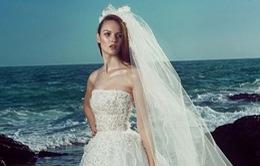Say đắm với BST váy cưới bay bổng bên bờ biển của Zuhair Murad