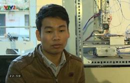 Kinh phí eo hẹp, sinh viên ĐH Phương Đông tự làm sân tập cho Robocon
