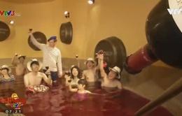 Café Sáng với VTV3: Ấn tượng ngày hội tắm rượu vang tại Nhật Bản